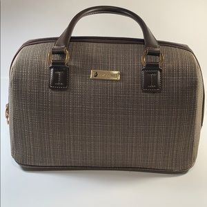 London Fog Zippered Oxford II Travel Bag Carry On